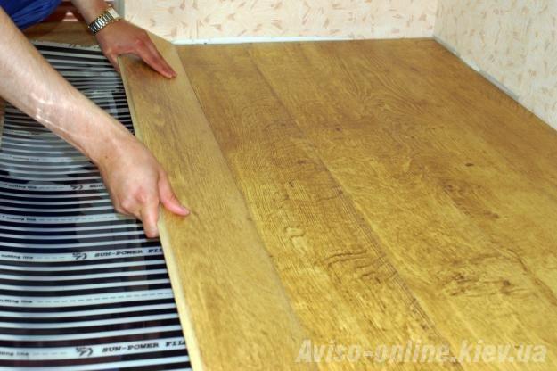 Укладка ламината на деревянный пол, инструкция - как…
