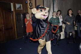 шоу ростовой куклы Свинки Лолиты